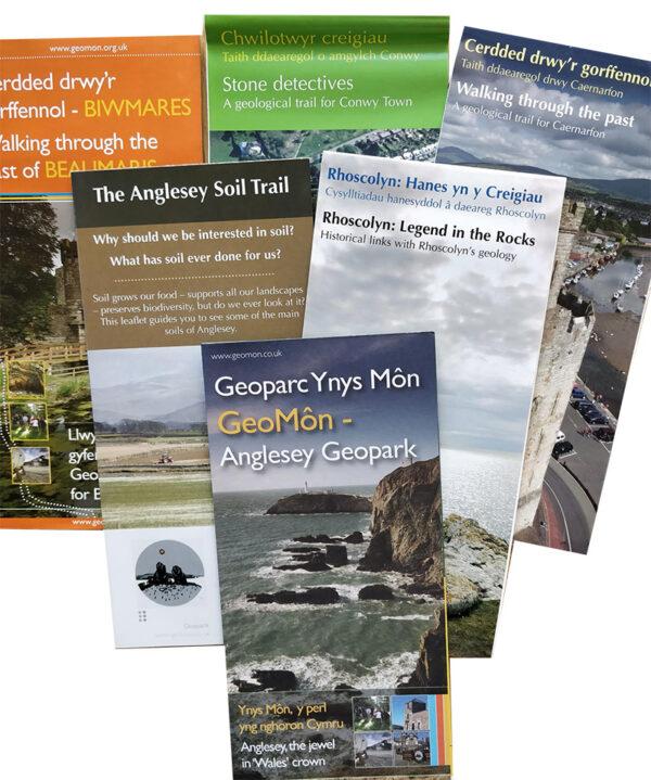 Set of GeoMon leaflets